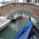 Едно от стотиците мостчета във Венеция