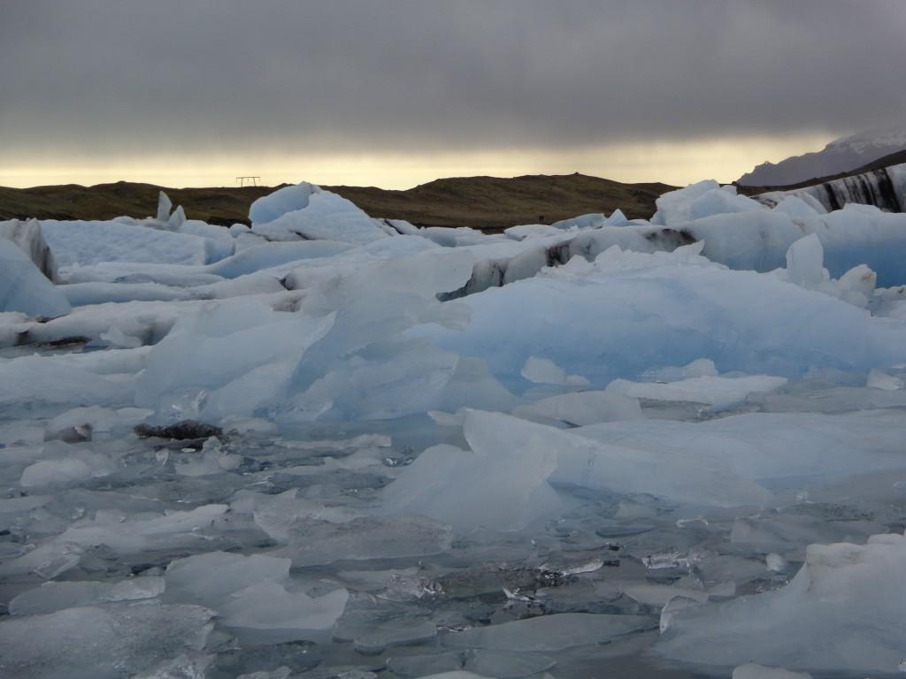 Ледът наистина е син