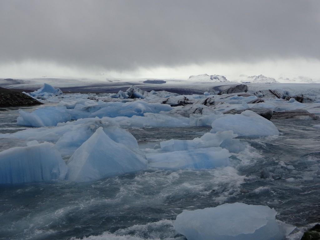Ледникът Ватнайокутл и живописната ледникова лагуна Йокулсарлон