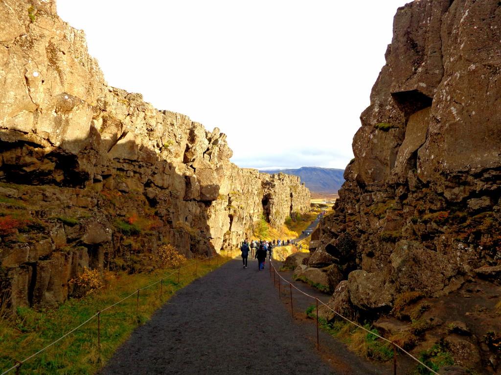 Национален парк Тингветлир, американския континент - отляво