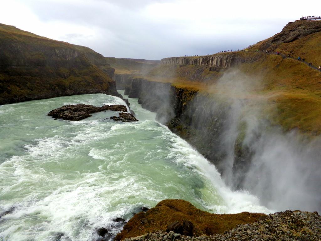 Гюдлфос - Златният водопад - долна каскада с каньона а река Хвита