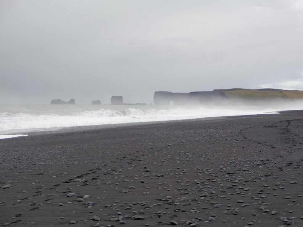 По черните плажове Рейнисфяра