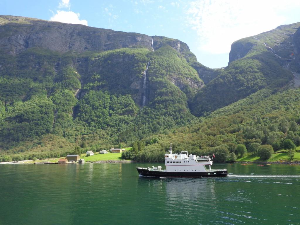 Прекрасните водопади по Зогнефьорд
