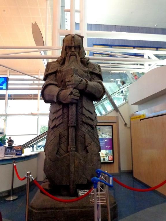 """Летище Окланд е """"вход"""" за Средната земя"""