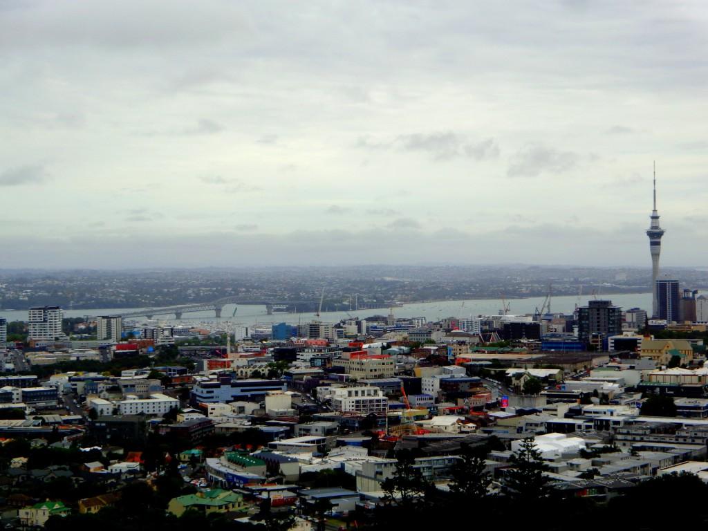 Поглед към Окланд от най-високата му точка, изгасналия вулкан Мангаухау