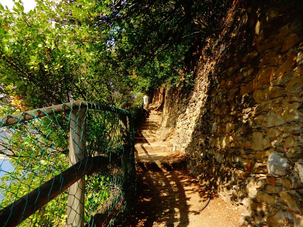 Чинкуе тере, туристическа пътека край Манарола