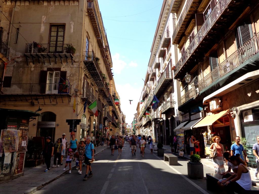 "Палермо, главната улица ""Виторио Емануеле"""
