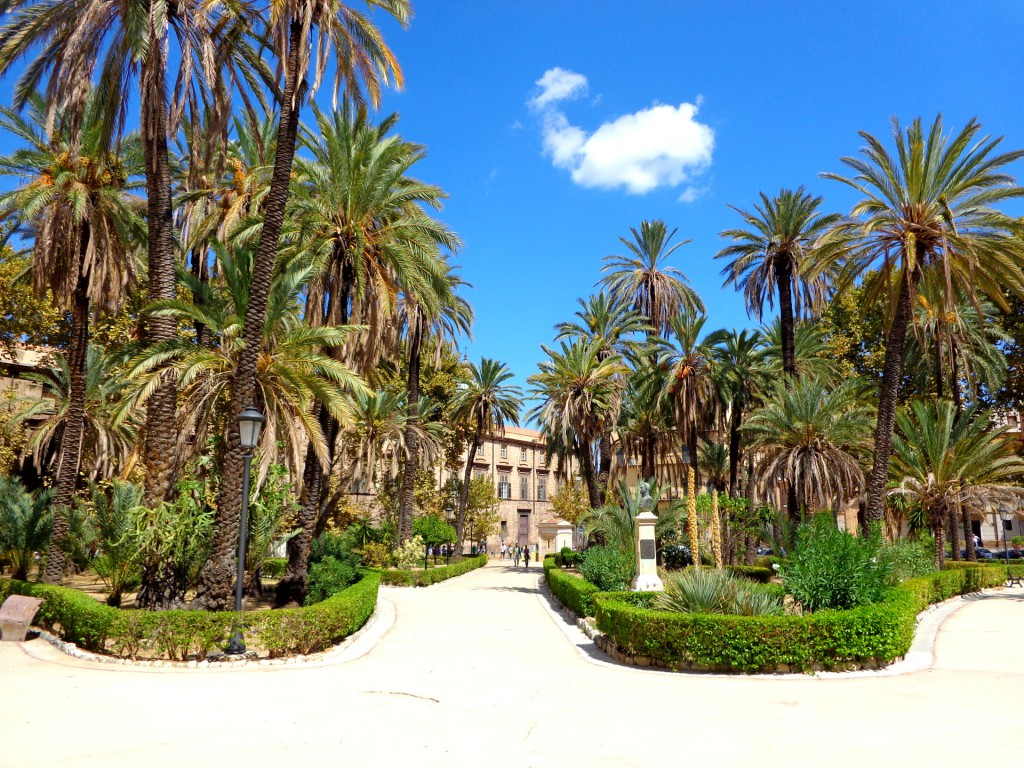 "Палермо, площад ""Витория"", парк ""Вила бонано"""