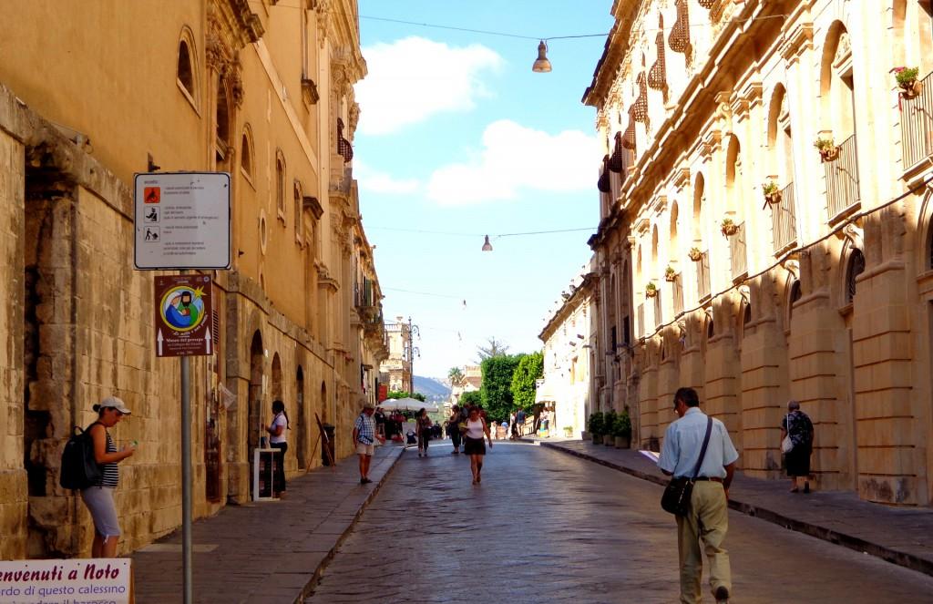 """Ното, главната улица """"Виторио Емануеле"""""""