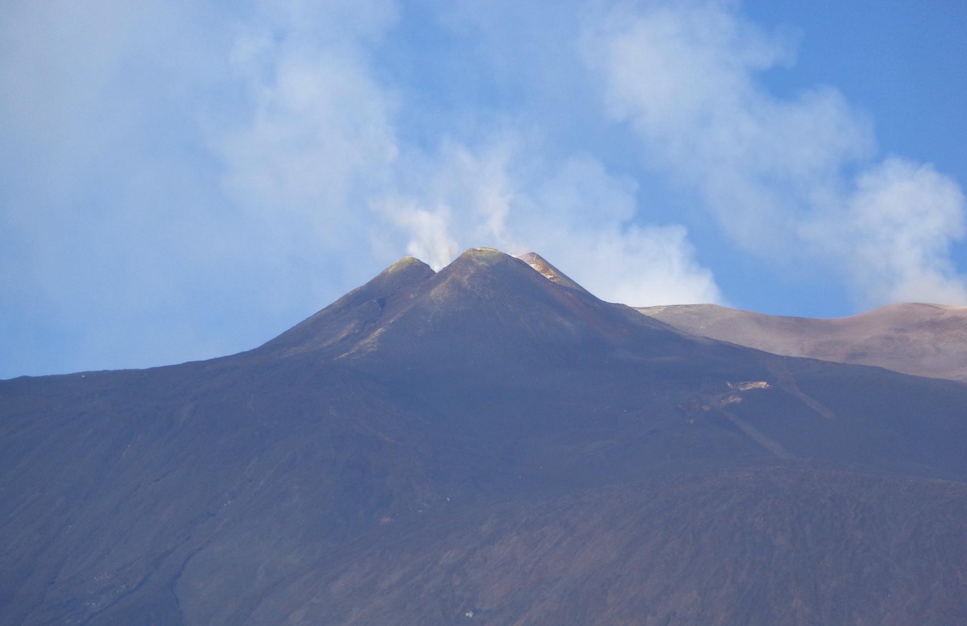 Централните кратери на Етна, поглед от север