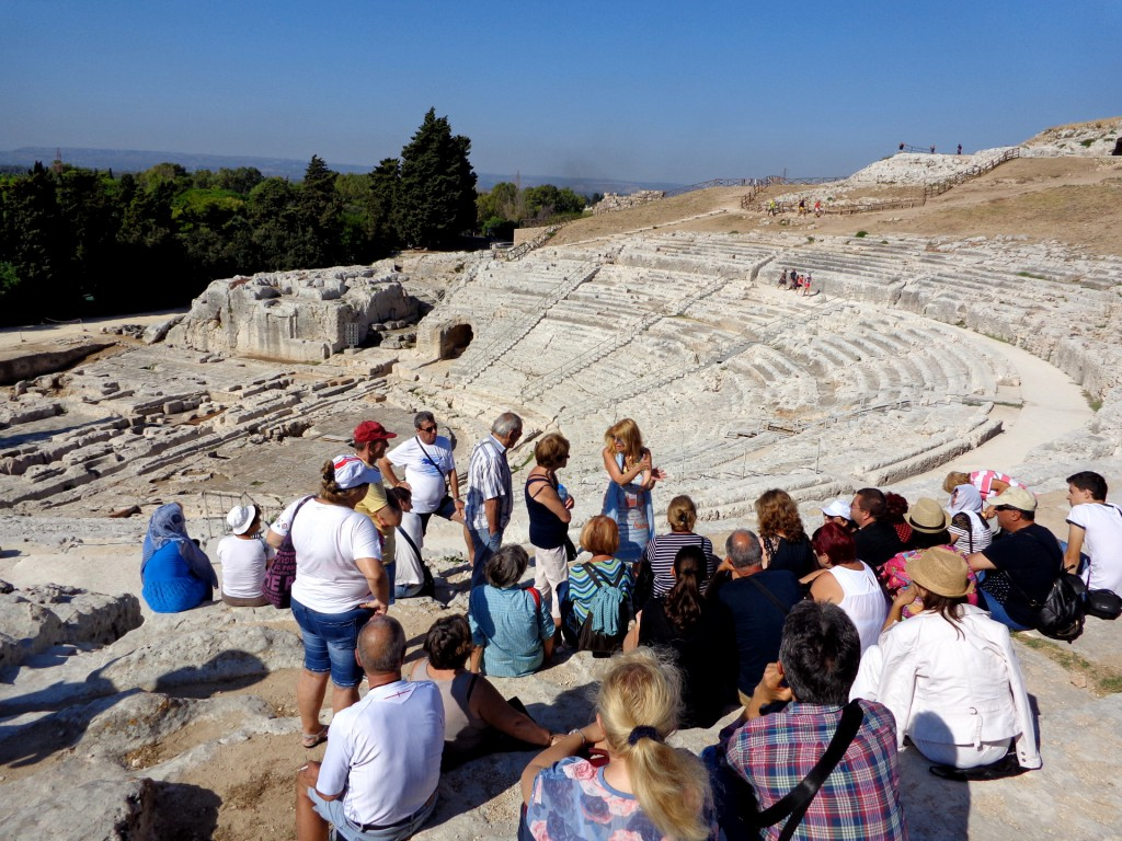 Гръцкият театър в археологическия парк Неаполис