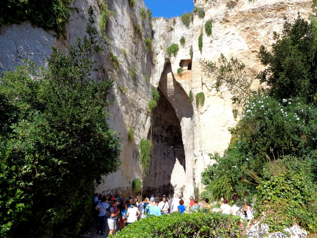 """Сиракуза, археологически парк Неаполис, """"Ухото на Дионис"""""""
