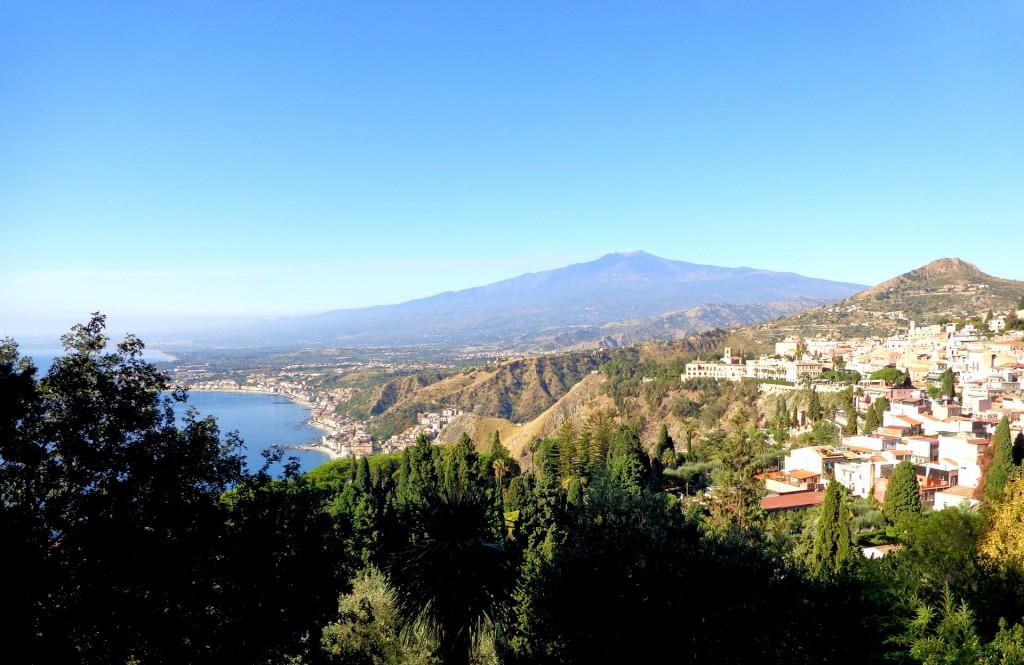 Таормина, поглед към вулкана Етна