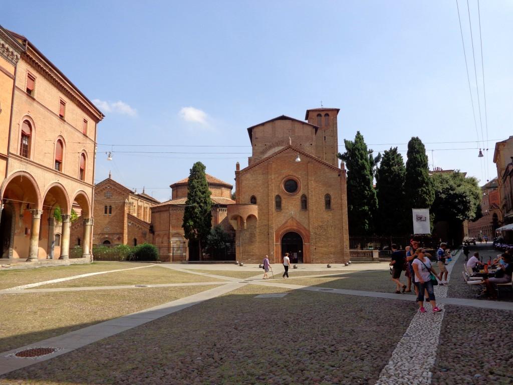 "Болоня, площад и базилика ""Свети Стефан"""