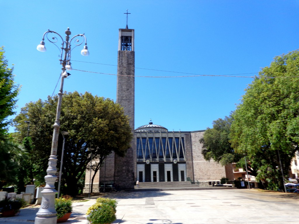 "Монтекатини терме - модернистичната катедрала ""Успение богородично"""