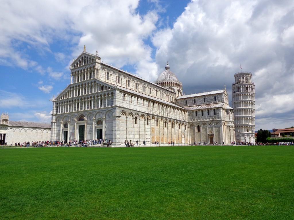 Пиза, Площадът на чудесата, катедралата