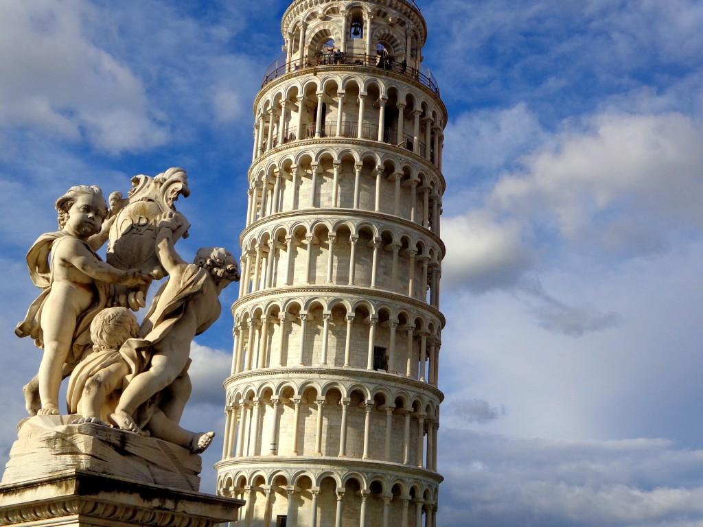 Наклонената кула в Пиза