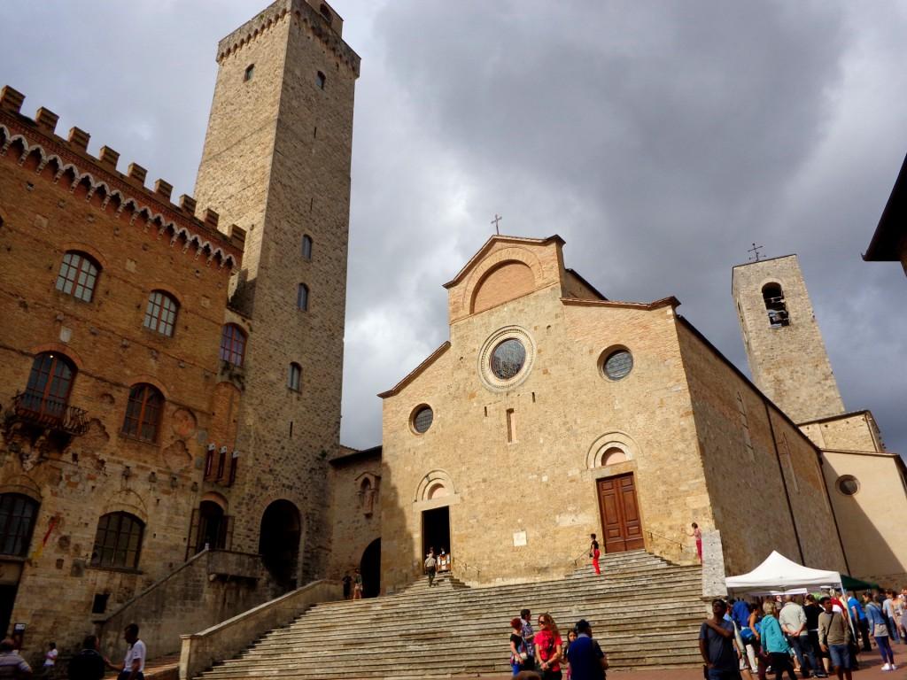Сан Джиминяно, Катедралният площад, Торе гроса и Палацо публико