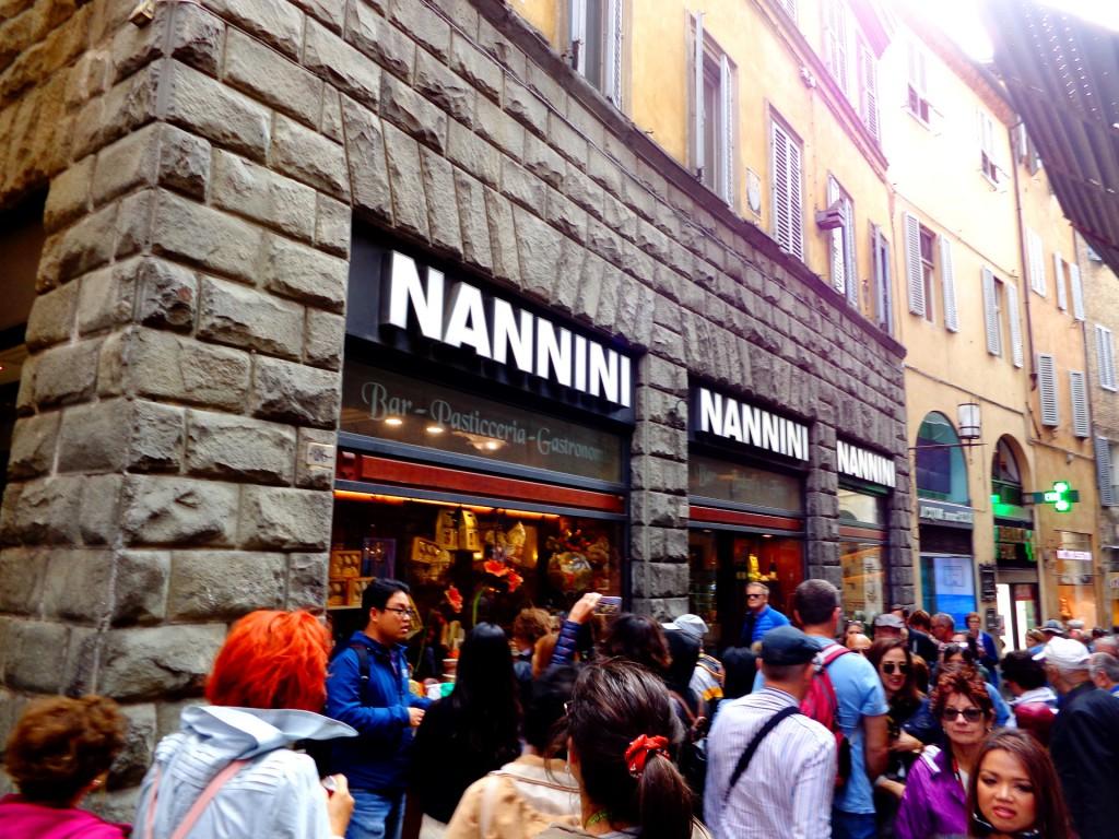 Прочутата сладкарница на семейство Нанини в Сиена