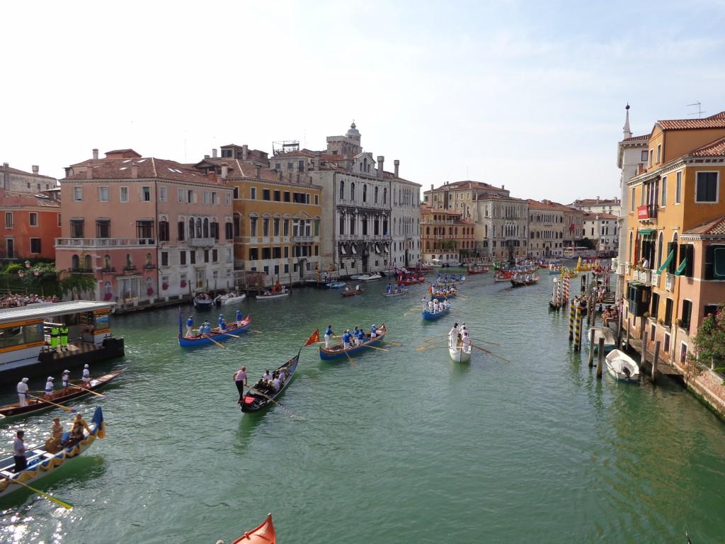 Гондола на Историческата регата във Венеция