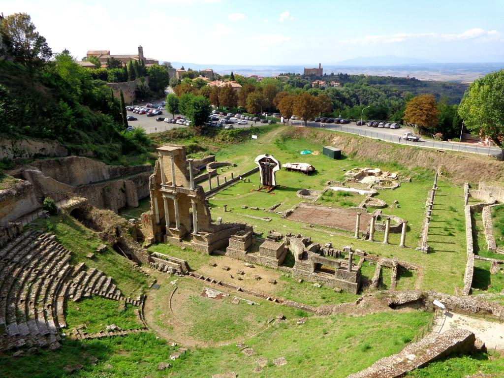 Римският театър във Волтера