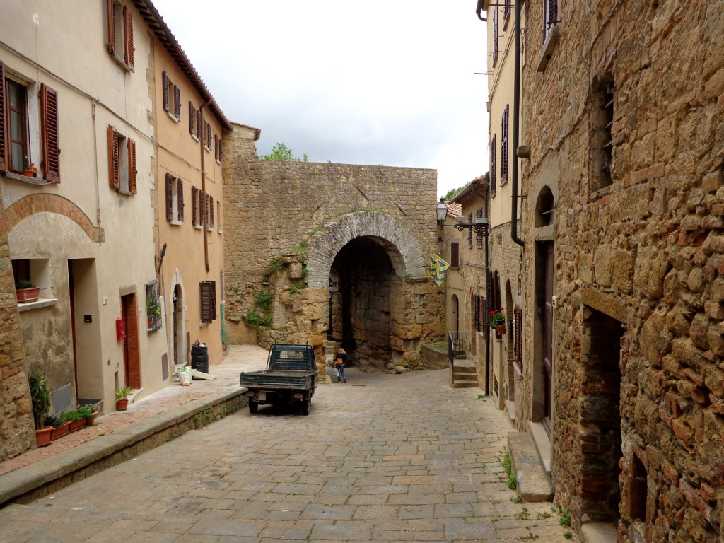 "Волтера, древната етруска порта ""Porta all'Arco"""