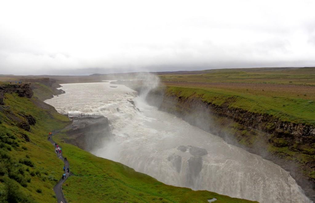 Водопадът Гюдлфос в лятна премяна