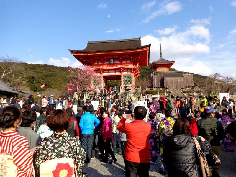 """Киото, будисткият храм """"Киумизу-дера"""", """"Храмът на чистата вода"""" - 1"""