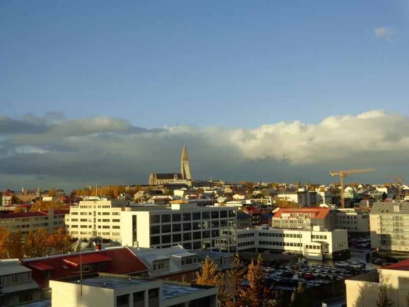 """Поглед към града от """"Фос хотел Рейкявик"""""""
