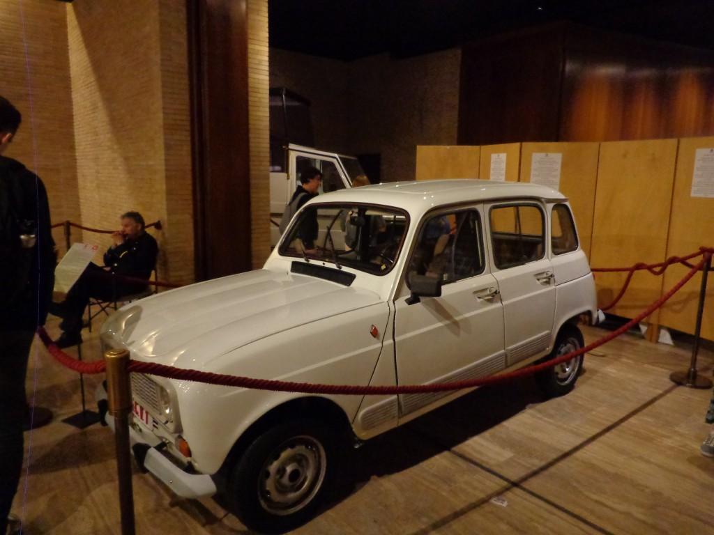 Папа Франциск е управлявал такава кола в Буенос Айрес