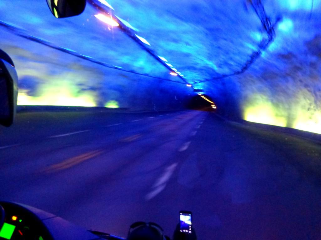 """В тунела """"Лаердал"""""""