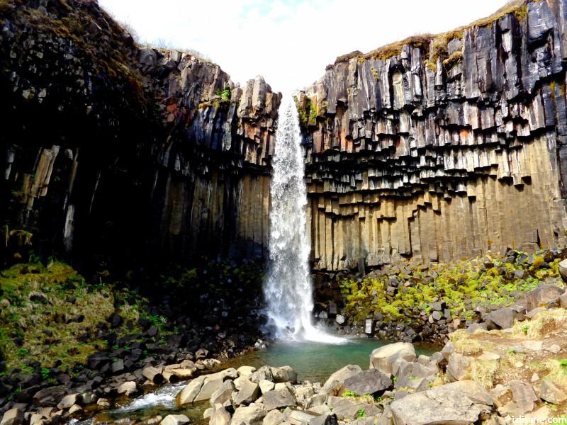 Водопадът Свартифос е вдъхновил много архитектурни форми в Исландия