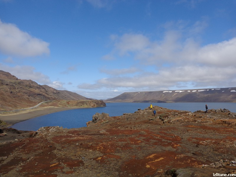 Кратерното езеро Клейварватн