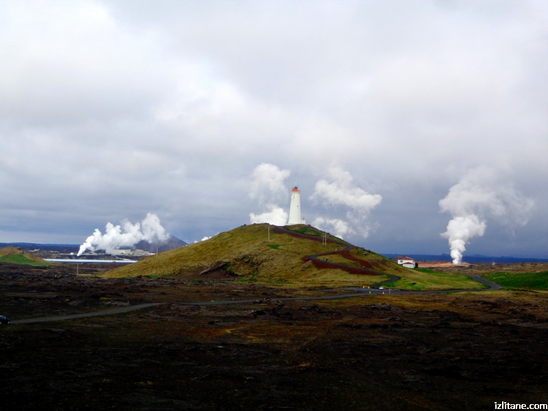 "Геотермална активност около ""Рейкянесвити"" - най-старият исландски фар"