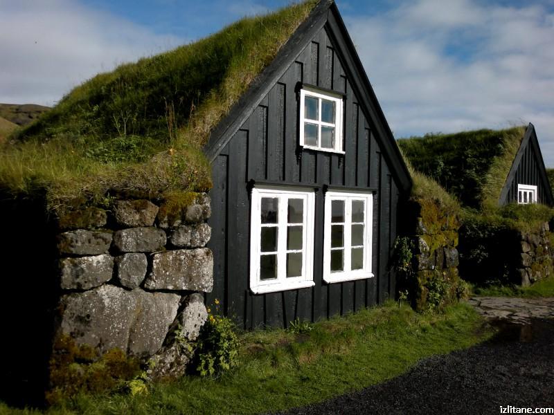 Торфени къщи в град Скогар. Исландско зелено - 1