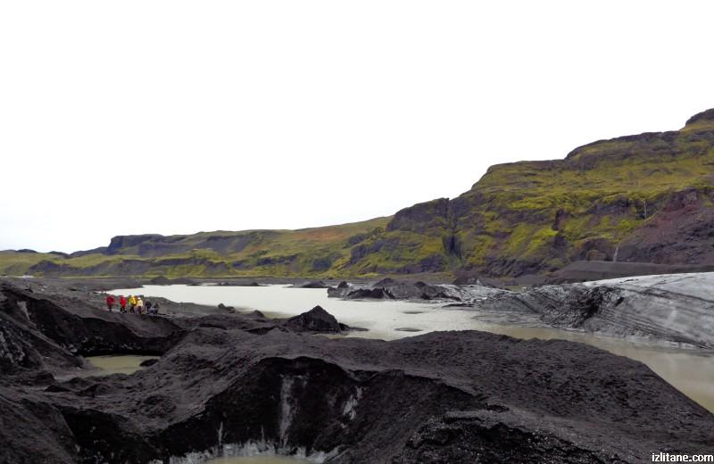 Всяка година около 100 метра от ледника Мирдалсйокутл се стопяват