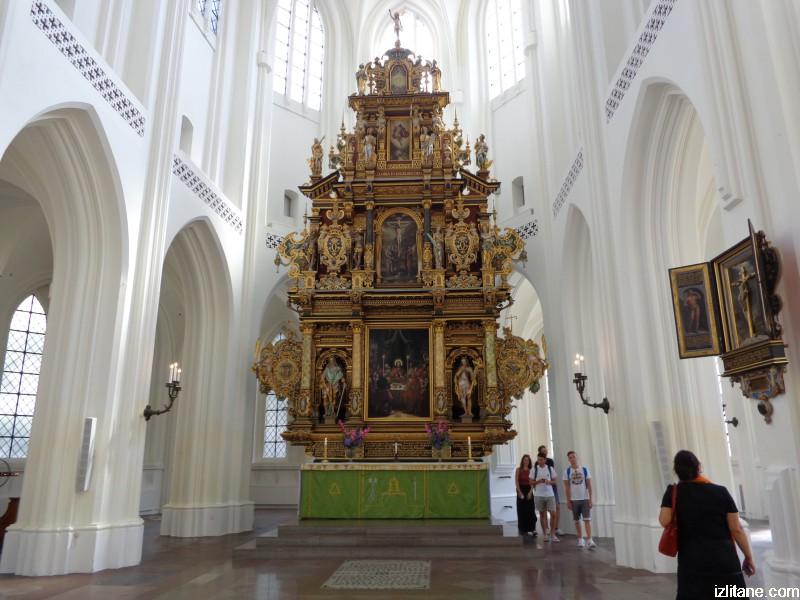 """Малмьо, готическата църква """"Свети Петър"""" – олтар"""